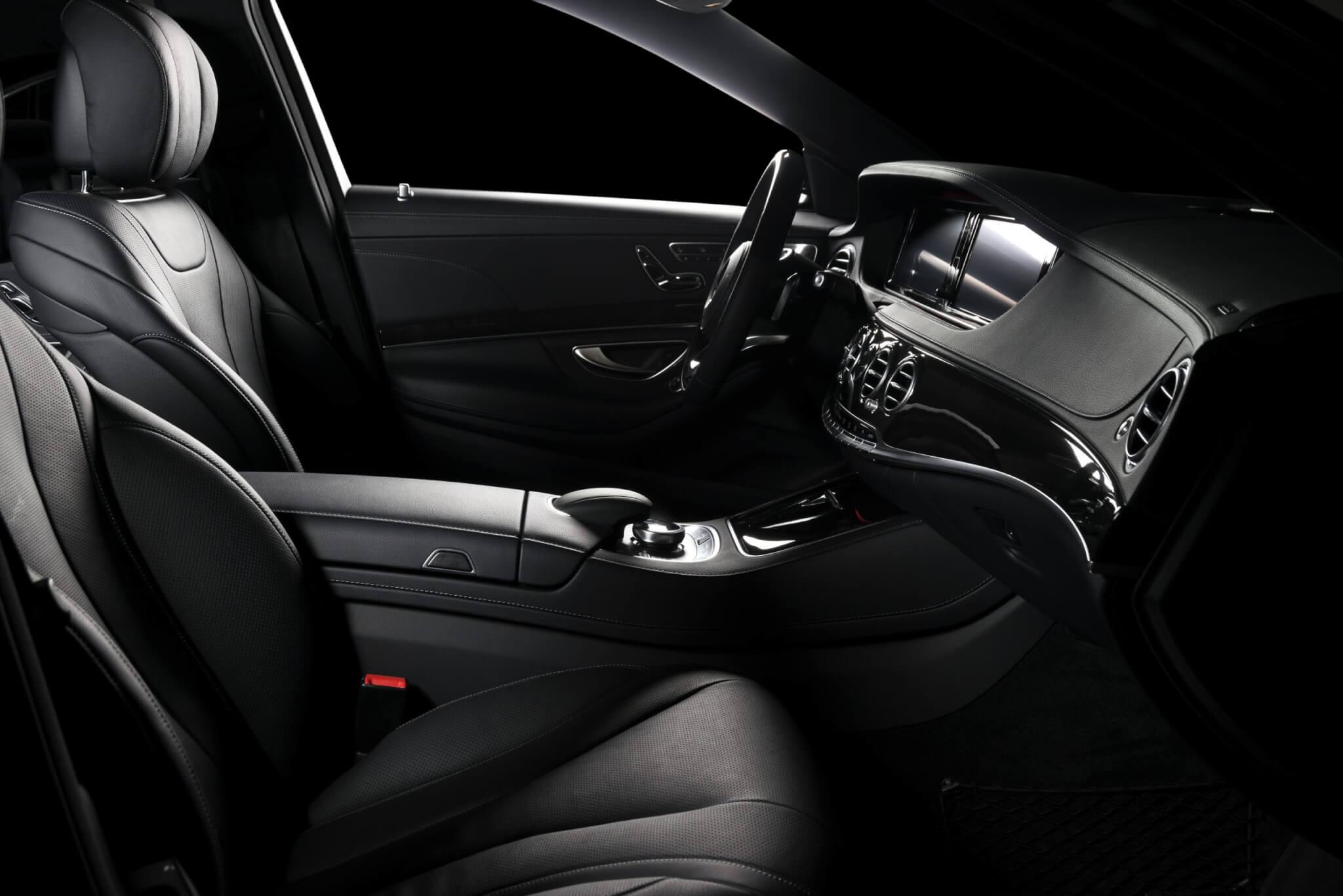 Modern sport car red leather interior premium lyxbil företag privatpersoner 620